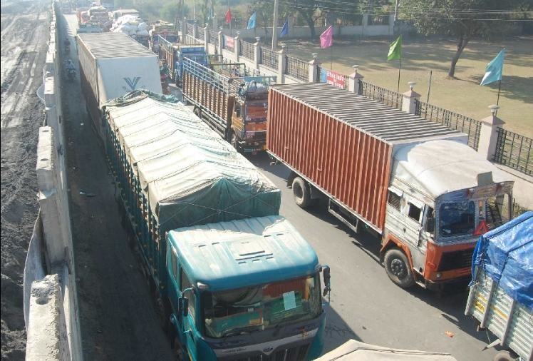 About 3000 trucks stuck