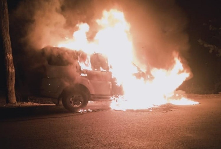 Dehradun Latest News: Haryana Tourist Car Caught Fire during Return From Mussoorie