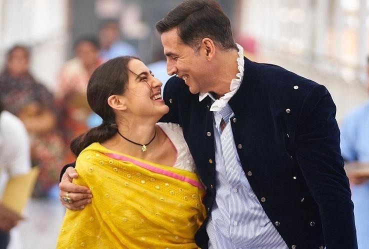 Akshay Kumar Share Photo With Sara Ali Khan From Atrangi Re - सारा अली खान के साथ अक्षय कुमार ने शुरू की इस फिल्म की शूटिंग, सेट से साझा की खूबसूरत सी