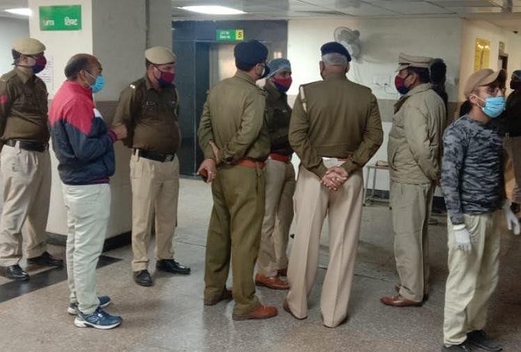 Police stationed outside isolation ward in Ambala Civil Hospital