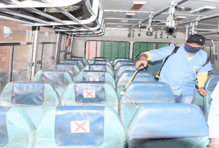 लापरवाही : बसों में सैनिटाइजेशन का काम बंद, सवारियों को संक्रमण का खतरा