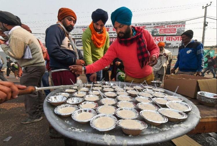 डिहाइड्रेशन के बढ़ते मामलों के चलते किसानों ने बदले लंगर का मेन्यू कार्ड, खीर-पूरी की जगह ली दलिया और चावल