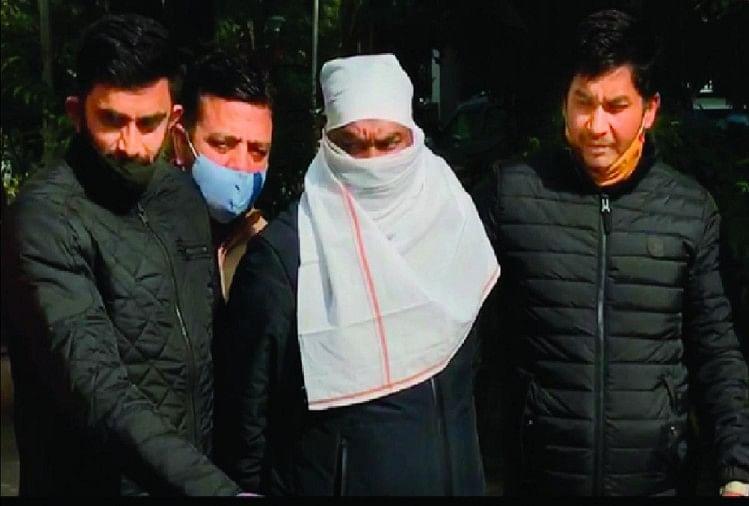 दिल्ली में शार्प शूटर गिरफ्तार