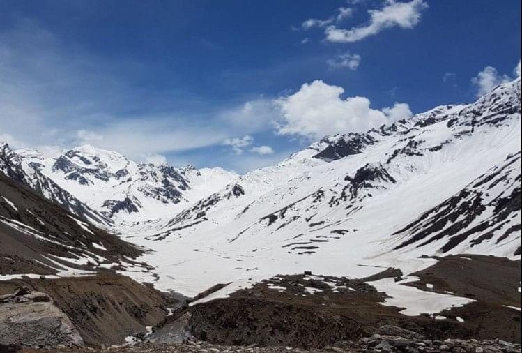 उत्तराखंड: बर्फ पिघलने के साथ ही चीनी सैनिकों ने फिर बढ़ाई सीमा पर गश्त, भारतीय जवान भी रख रहे नजर
