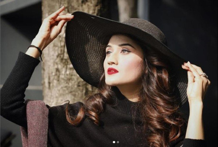 Union Hrd Minister Ramesh Pokhriyal's Daughter Arushi Nishank All Set To  Make Bollywood Debut With Taapsee And Bhumi, Pics Out - खूबसूरती में  बॉलीवुड एक्ट्रेस को भी मात देती हैं केंद्रीय मंत्री
