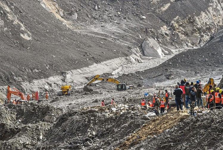वैज्ञानिकों ने किया हवाई सर्वे, बतायाग्लेशियर नहीं बल्कि चट्टान टूटने से बनी झील से आई आपदा