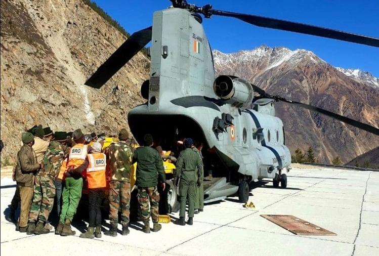 Uttarakhand Chamoli Live: चमोली पहुंचा चिनूक हेलीकॉप्टर, राहत-बचाव कार्य तेजी से जारी