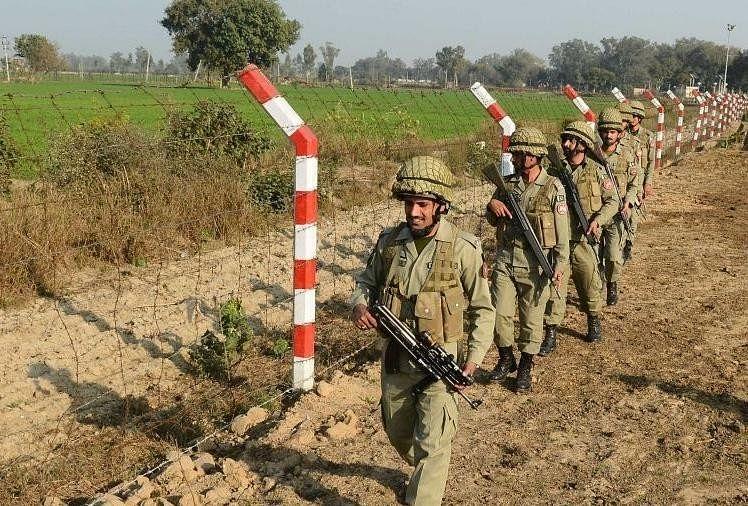 Pakistani and Indian smugglers