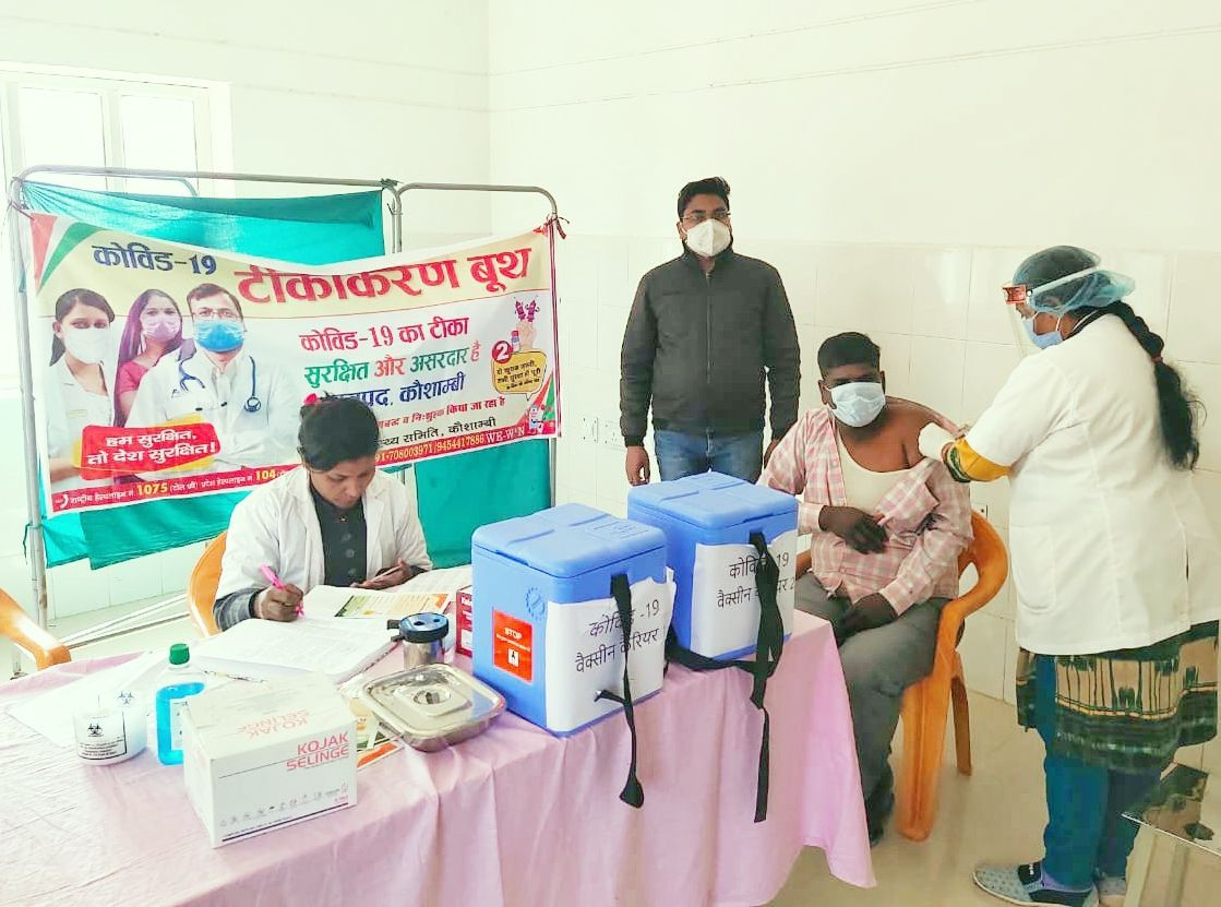 730 front line workers, including SP, ASP, take first dose of vaccine
