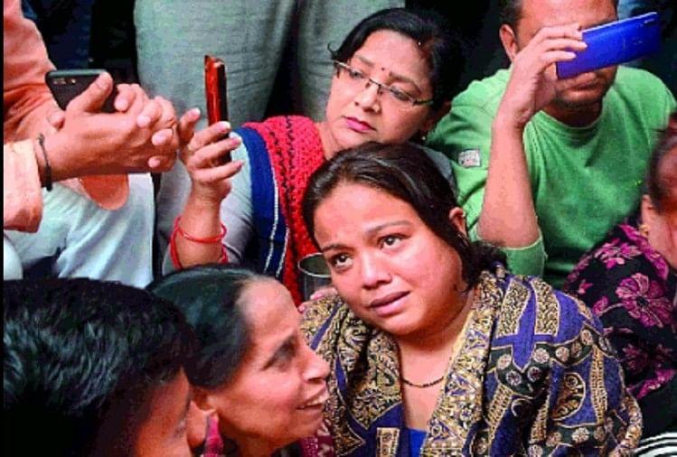 बजरंग दल कार्यकर्ता की हत्या के बाद आरोपियों के घर तोड़फोड़, इलाके में तनाव