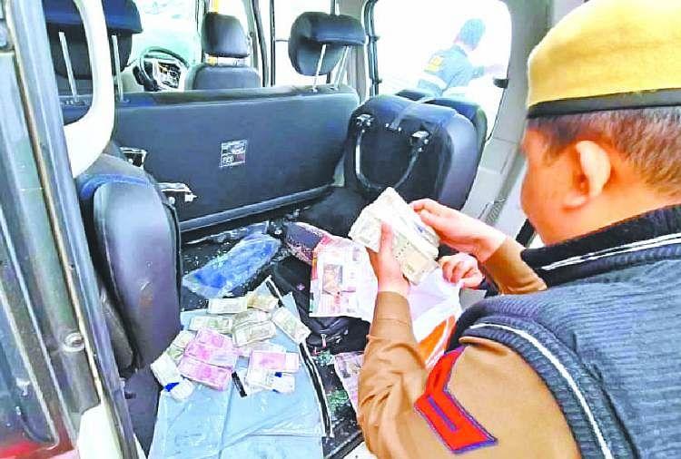 Image result for करनाल में बाइपास पर कैंटर और स्कॉर्पियो में आमने-सामने की टक्कर,गाड़ी मे 31 लाख कैश बरामद