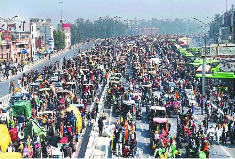विरोध: दिल्ली की सीमाओं पर नौ माह से डटे किसान, आज से दो दिवसीय अधिवेशन