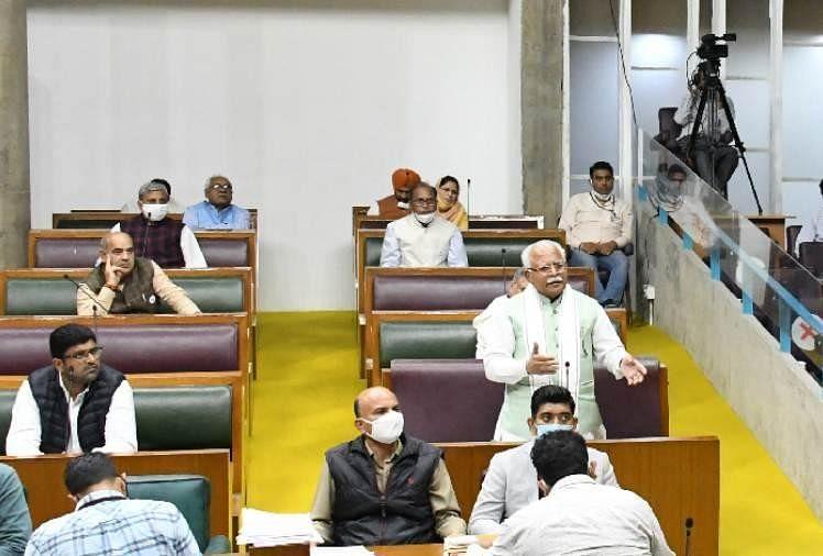 विधानसभा में कृषि कानूनों पर जमकर हंगामा, सत्ता पक्ष और विपक्ष भिड़े