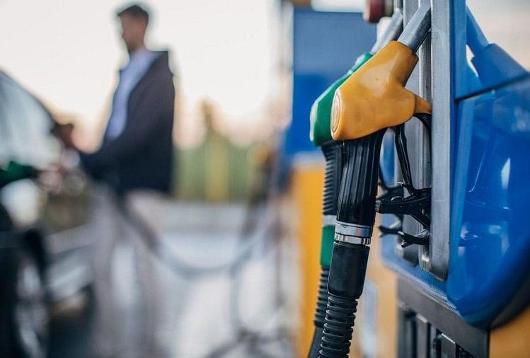 Petrol Diesel Price: पंजाब में पेट्रोल का दाम 102.27 रुपये हुआ, डीजल बिक रहा 90.70 रुपये प्रति लीटर