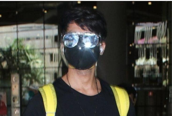 काला चश्मा और तीन लेयर वाला मास्क लगाने पर शाहिद कपूर जमकर हो रहे ट्रोल,  फैंस बोले- 'ये कौन-सा फैशन है' - Entertainment News: Amar Ujala