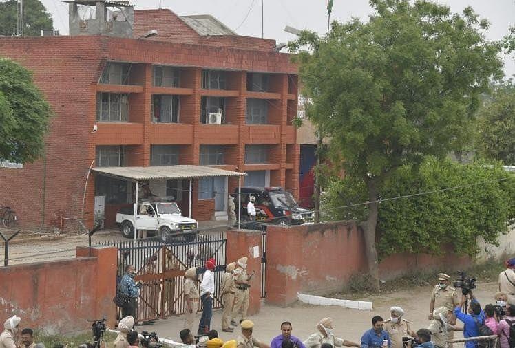 रोपड़ जेल के बाहर कड़ी सुरक्षा की गई थी।