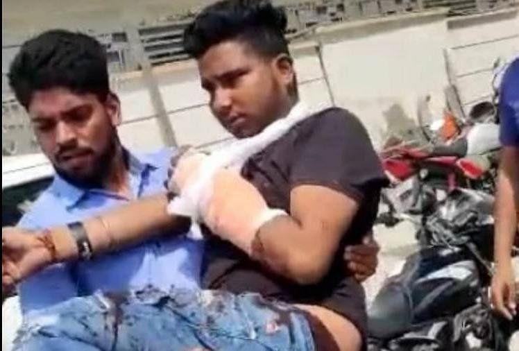 किसान आंदोलन : कुंडली बॉर्डर पर निहंग ने युवक पर तलवार से किया हमला, पीजीआई रोहतक रेफर