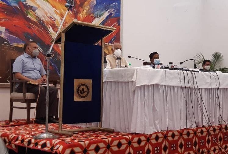 चंडीगढ़ में कोरोना: समीक्षा बैठक के बाद प्रशासक का दावा-हम हर परिस्थिति से निपटने में सक्षम, पीयू में सेना बनाएगी 100 बैड का अस्पताल