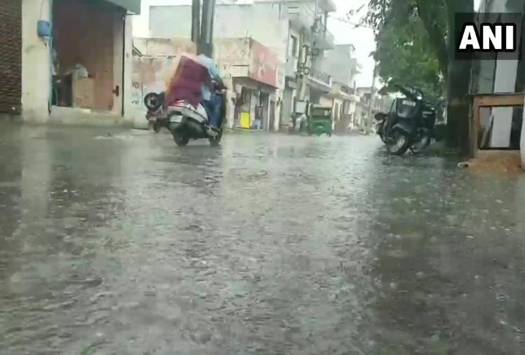 बदला मौसम: पंजाब में रुक रुक कर बारिश, ठंडी हवाओं से तापमान में गिरावट