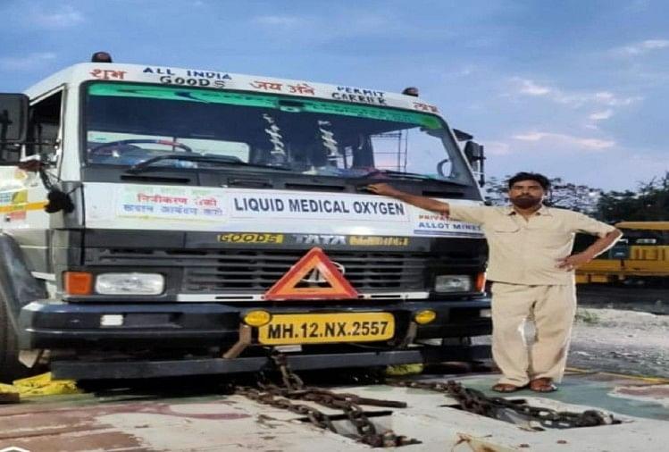 जौनपुर जिले के ऑक्सीजन टैंकर चलाने वाले दिनेश उपाध्याय