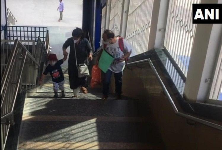 दिल्ली के साथ ही नोएडा मेट्रो भी हुई शुरू