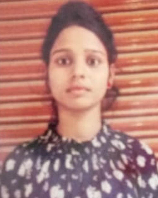 मृतका दीपा की फाइल फोटो