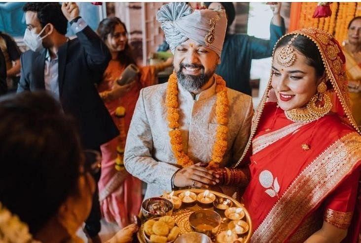 अंगीरा धर और आनंद तिवारी की शादी