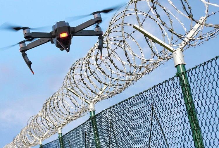 कठुआ में अलर्ट : वायुसेना स्टेशन पर हमले के बाद भी नहीं रोक पा रहे ड्रोन घुसपैठ