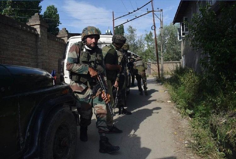 जम्मू-कश्मीर: श्रीनगर मुठभेड़ में दो आतंकियों का खात्मा, इस साल अब तक 78दहशतगर्दोंका हुआ सफाया