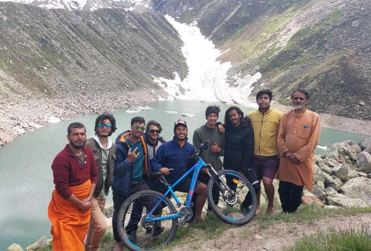 Uttarakhand: Exciting inaccessible journey decided by bicycle, Somesh reached Satopanth at 4600 meters height
