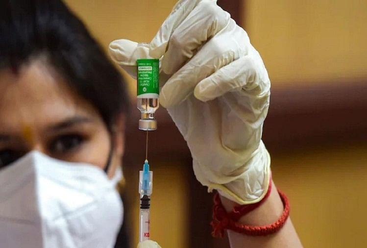वैक्सीन की खुराक न लेने वाले कर्मचारियों का रुकेगा वेतन, सरकार ने जारी किया निर्देश
