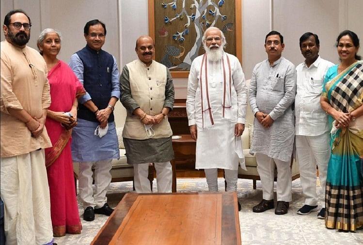 दिल्ली में बोम्मई: पीएम से मिले कर्नाटक के नए सीएम, राज्य के विकास में पूरे सहयोग का आश्वासन