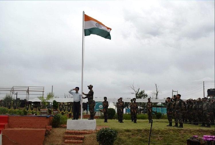 स्वतंत्रता दिवस समारोह मेंदिखा गजब का उत्साह, देशभक्ति के रंग में रंगा बारामुला