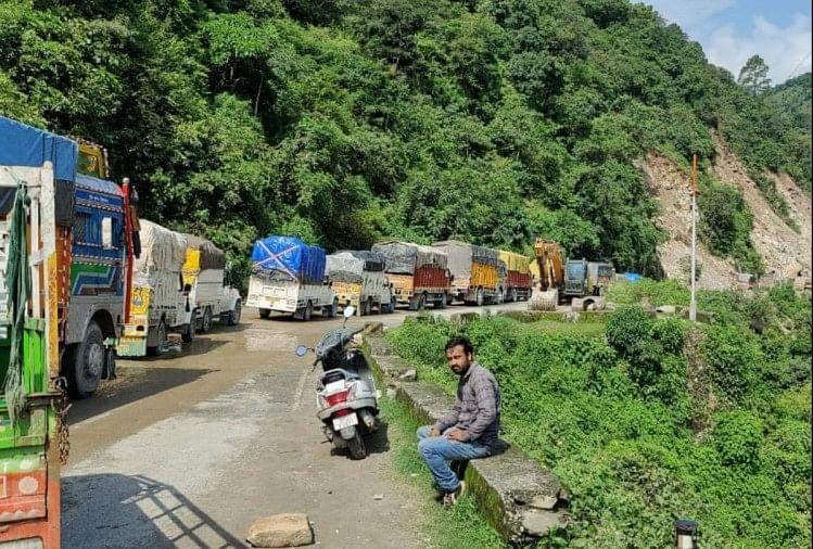 चंडीगढ़-मनाली नेशनल हाईवे 34 घंटे बाद हुआ बहाल