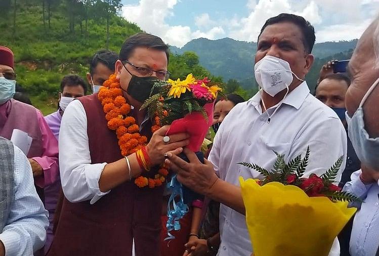 Chief Minister Dhami arrived at the Jan Ashirwad rally, announced to make Srinagar a municipal corporation