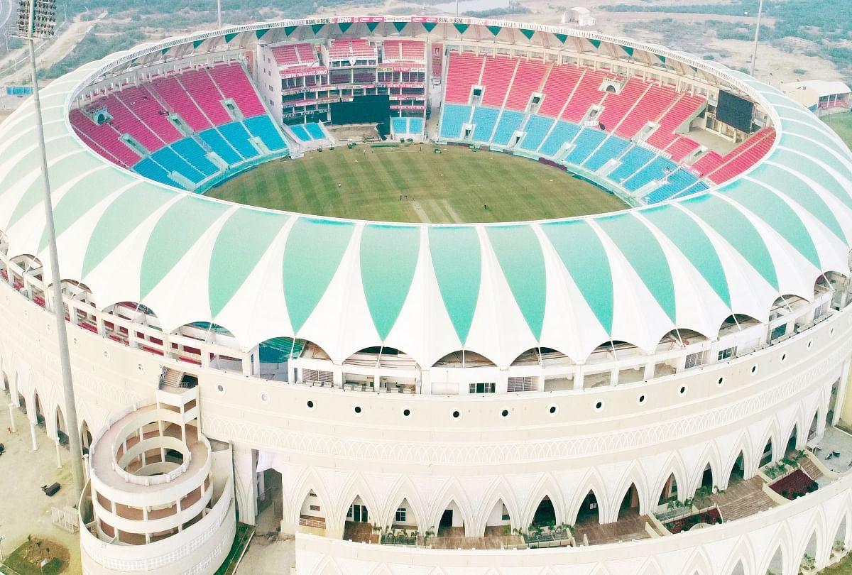 लखनऊ का इकाना स्टेडियम।