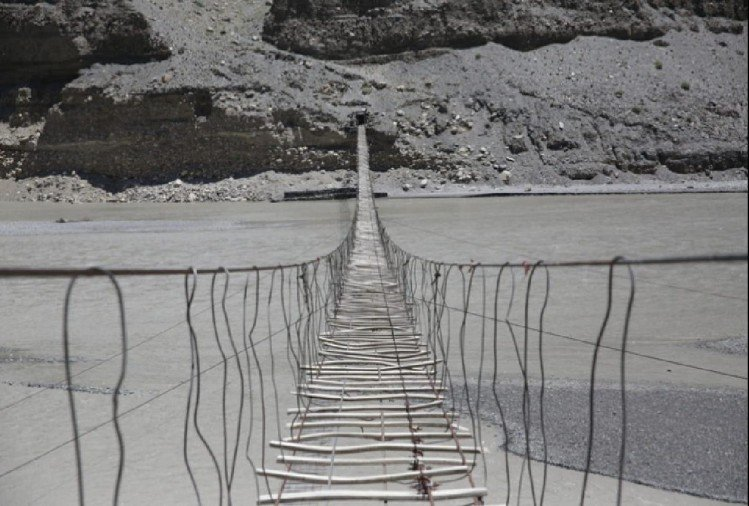 खतरनाक ब्रिज