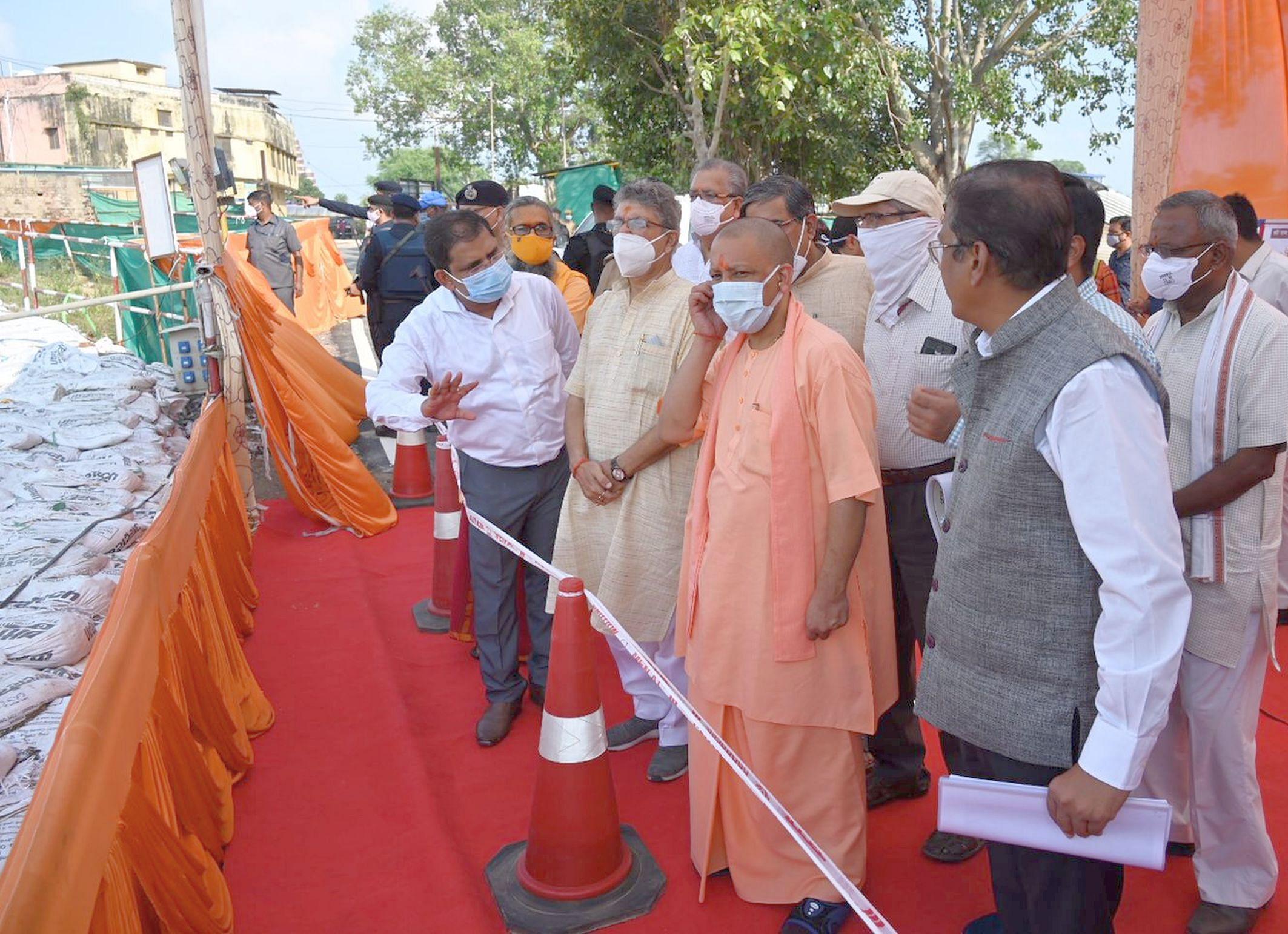 अयोध्या-रविवार को राममंदिर की प्रगति देखते मुख्यमंत्री योगीआदित्यनाथ