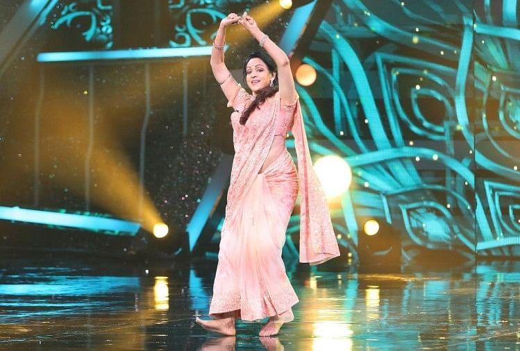 'सुपर डांसर-चैप्टर 4' के मंच पर हेमा मालिनी