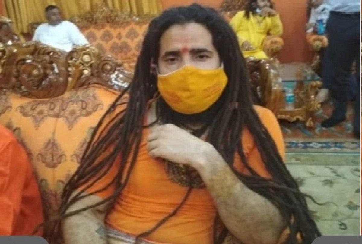 prayagraj : Mahant Balveer Giri.