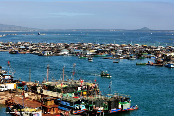 Amazing China's floating fishing cities