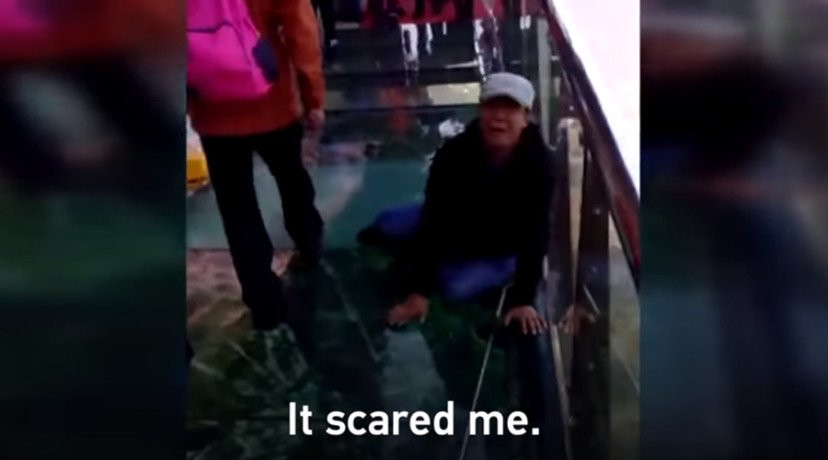 Tourist terrified by China Glass Bridge that cracks under weight
