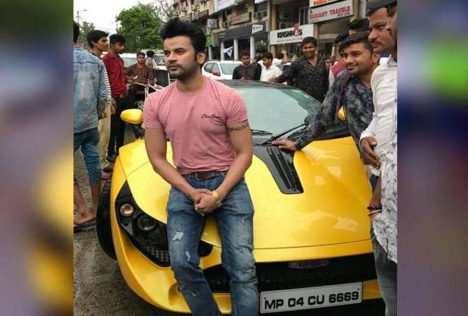guy use his 70 lac rupee car for sanitation scheme