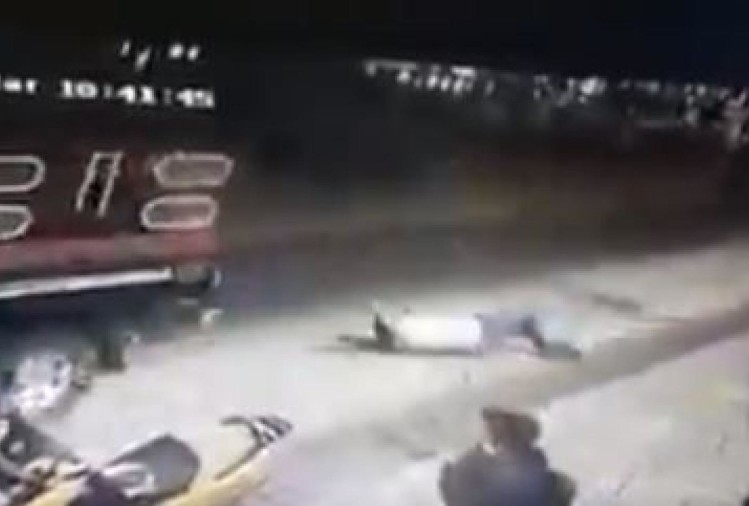 farmers tied mexico mayor to a pickup truck and dragged