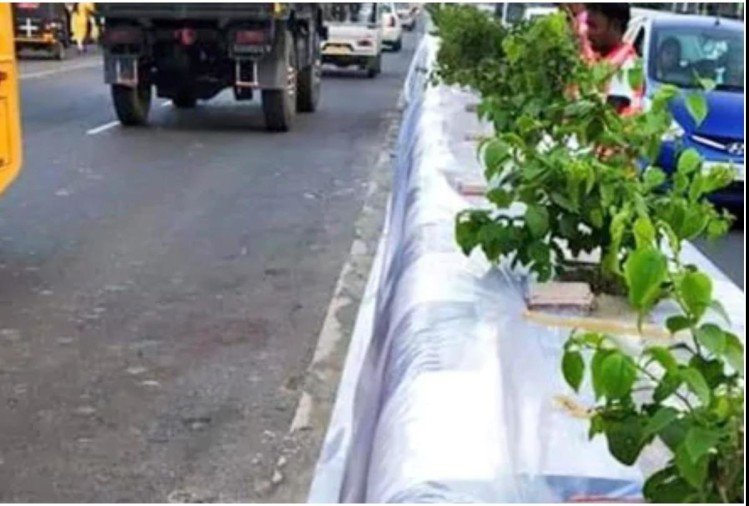 Guwahati officers covered road Dividers in Plastic Protection against Pan and Gutka Stain