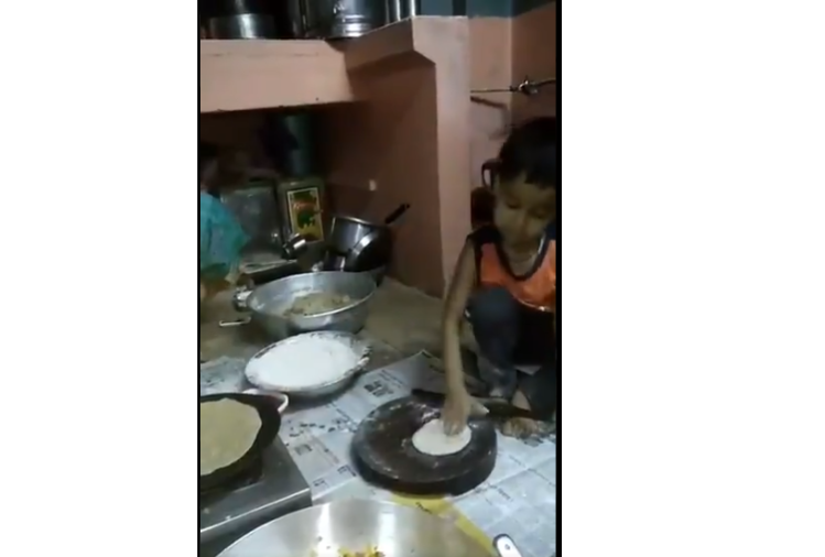 viral video of little boy who makes roti and social media users become fan