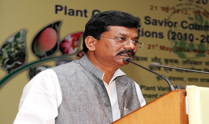 The Minister of State for Agriculture and Food Processing Industries, Shri Charan Das Mahant addressing at the presentation of the Plant Genome Savior Community Awards & Recognitions (2010-11) to farming communities and individuals for conservation of biodiversity, in New Delhi on May 21, 2012.