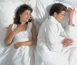 couples-avoid-sleep-together-in-this-five-days