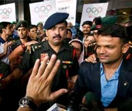 vijay kumar returns home to a warm welcome by indian army