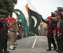 pak hindus stopped at wagah border from crossing over to India